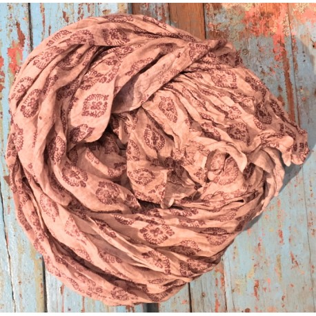 Bomullskjerf, grårosa med mønster